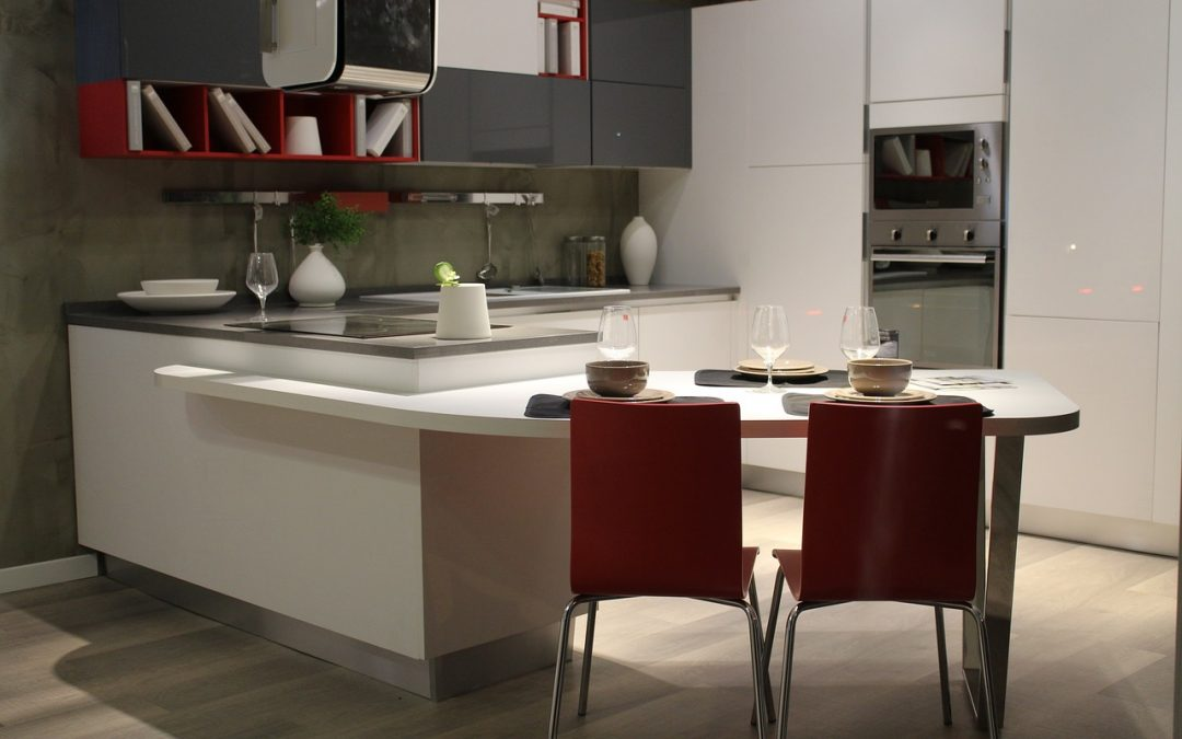 Chcete mať krásnu kuchyňu plnú svetla? V takom prípade sú správnou voľbou sú biele kuchyne