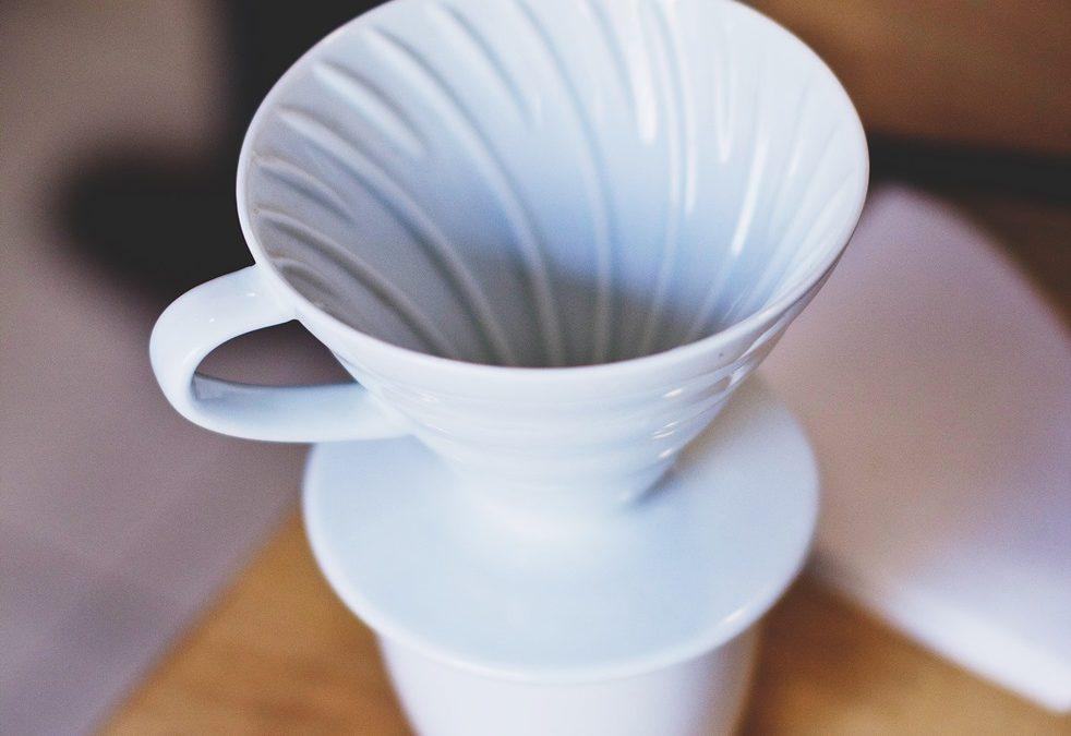 Dripper ako lacná alternatíva chutnej prekvapkávanej kávy