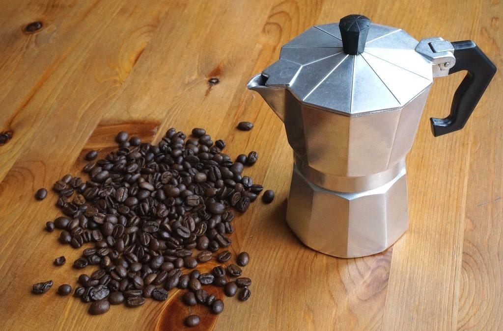 Moka kávovar vyčaruje skvelú chuť kávy, poradíme vám, ako ho vybrať
