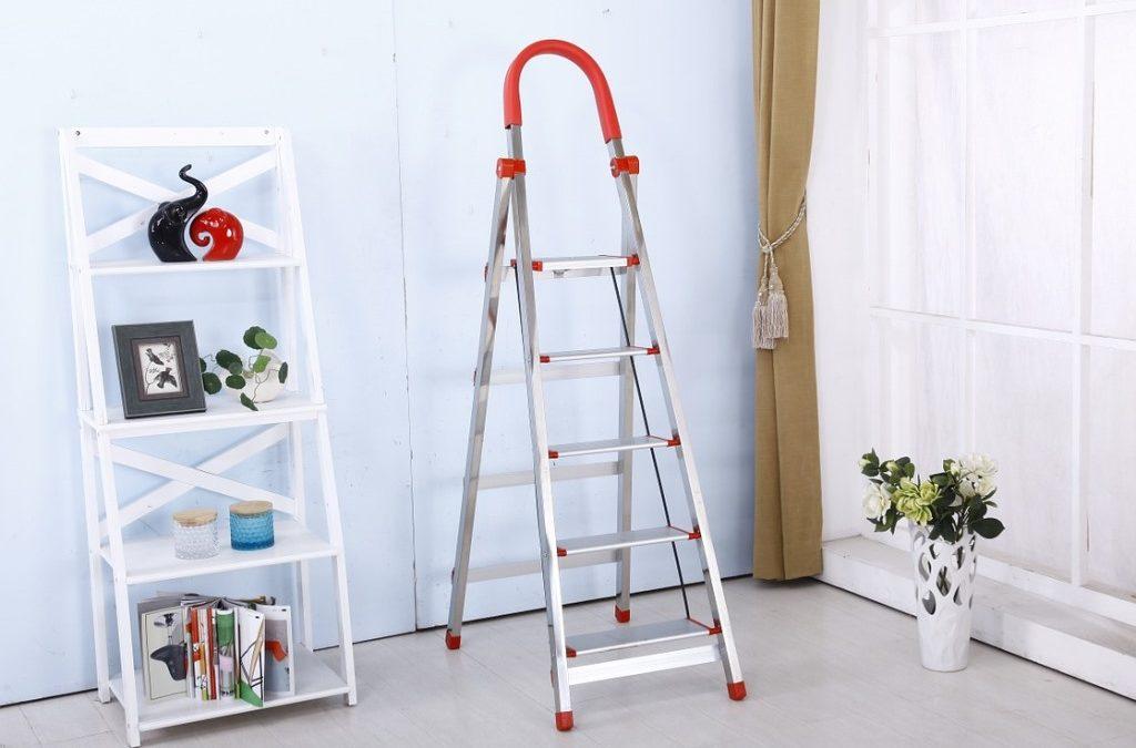 Rebrík do kúpeľne ako štýlový stojan na uteráky. Inšpirujte sa našimi tipmi na jeho výber!