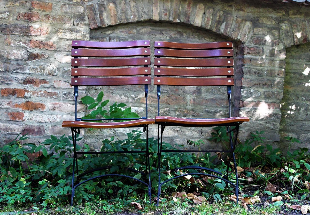 Údržba dreveného záhradného nábytku