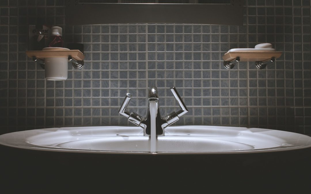 Praktické rady, ktoré oceníte pri kompletnej rekonštrukcii panelákovej kúpeľne