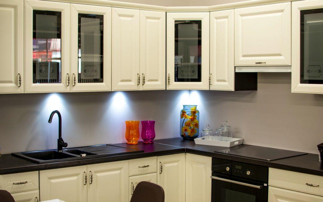 Podľa čoho si vybrať vkusnú apraktickú kuchynskú linku?